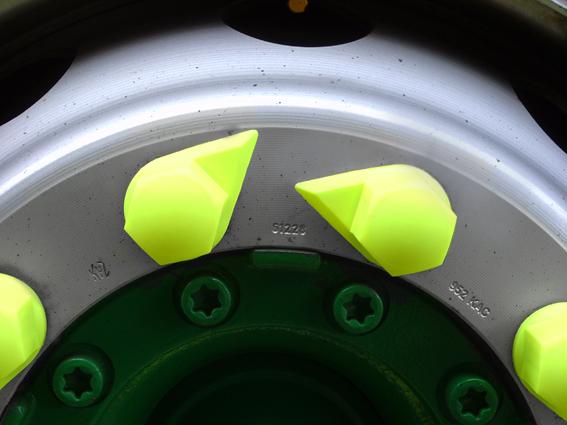 Indikator zategnjenosti kolesnih matic